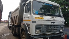 2018 model Used Tata 2523 Tipper for sale in Chhindwada by owners online at best price, Product ID: 450045, Image 1- Infra Bazaar
