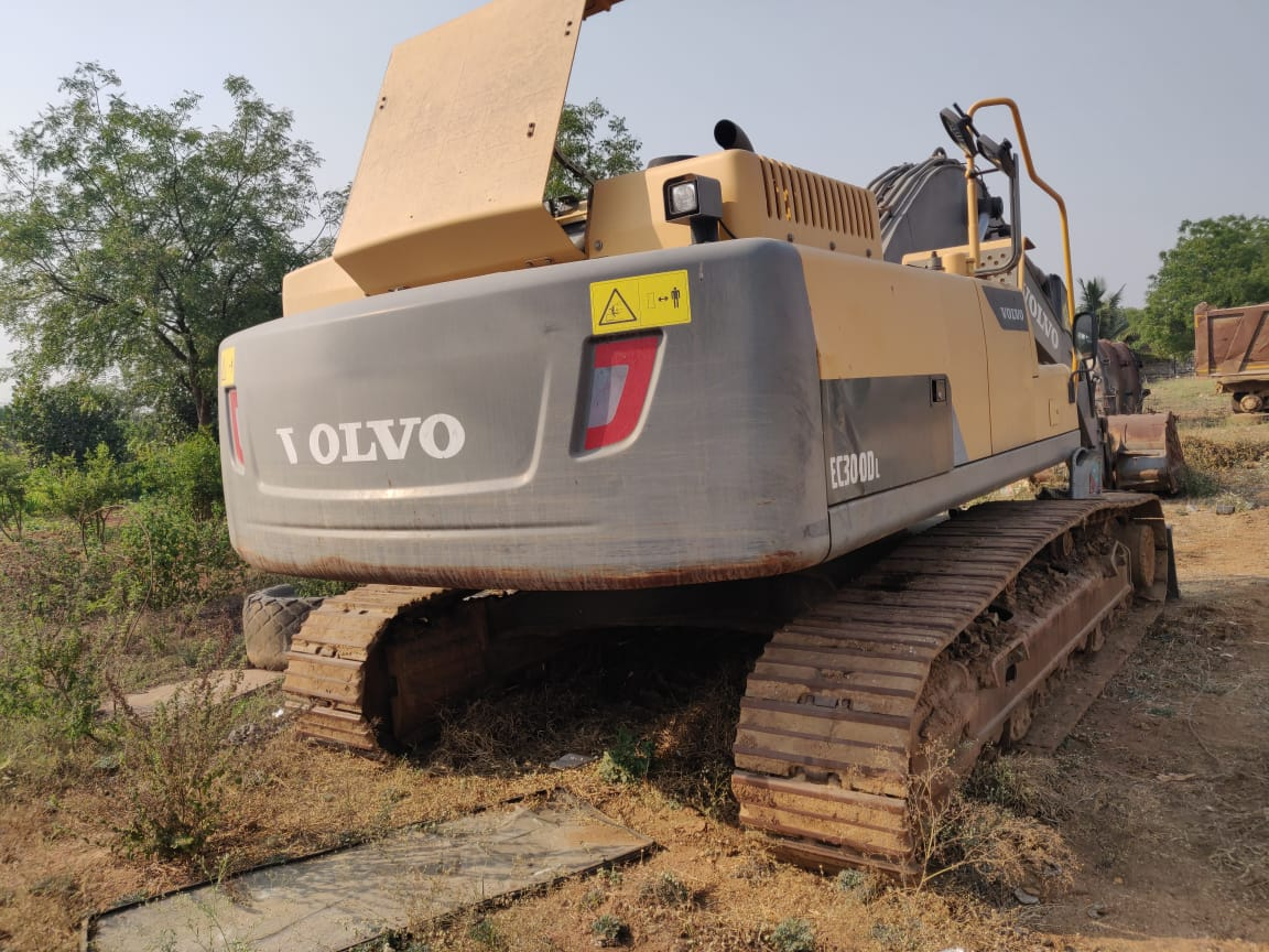 2016 Volvo EC300DL Excavator for rent in HYDERABAD by owners online at best price, Product ID: 449956, Image - Infra Bazaar
